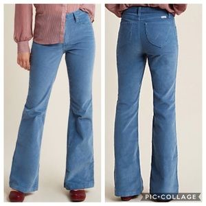 [Wrangler x MC] Flawlessly Flared Corduroy Pants